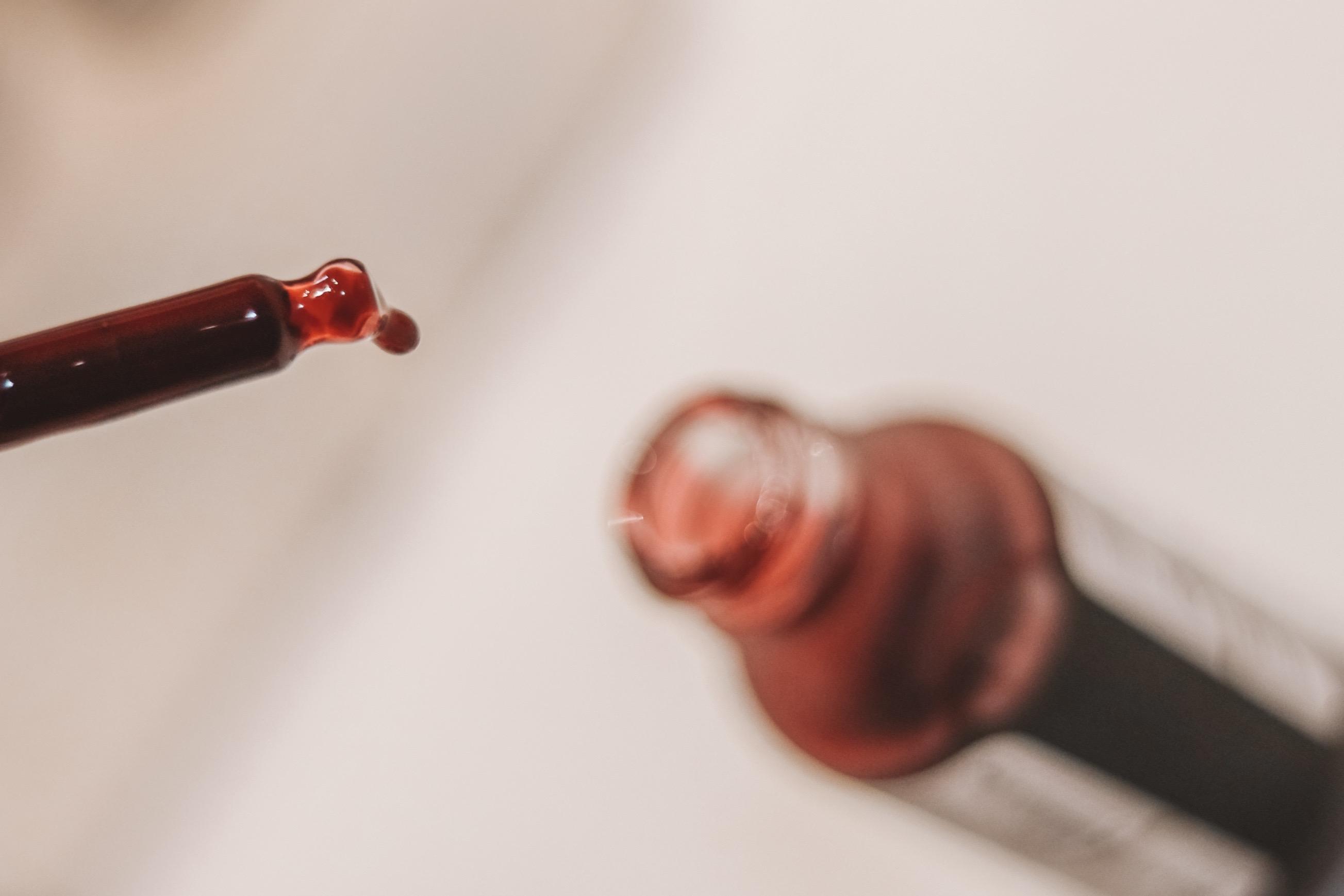The Ordinary AHA 30% + BHA 2% Peeling Solution | Mimiejay.com